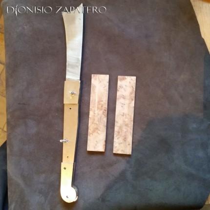 Wooden scales for Sicilian Birrittedda