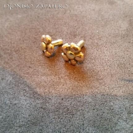 Bronze flower shaped pins