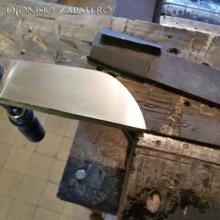 Laparedda blade sanding